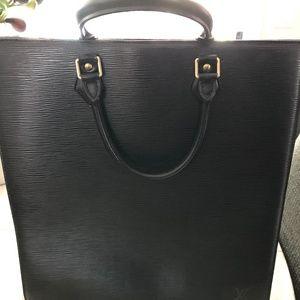 Louis Vuitton epi leather Sac Plat